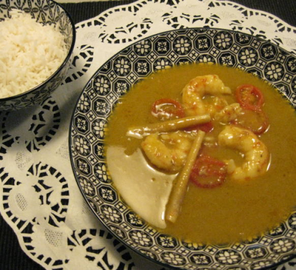 Gambones al curry verde